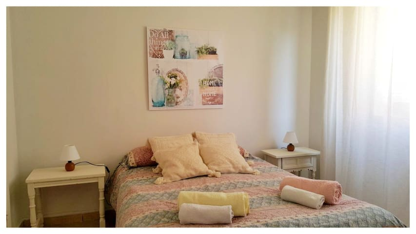 Apartment with balcony in Toledo (until 6 pax)