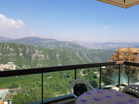 Huge apartment,Breathtaking view(monthly discount)