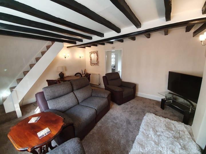 Cosy Cottage in Alvechurch, Near Birmingham