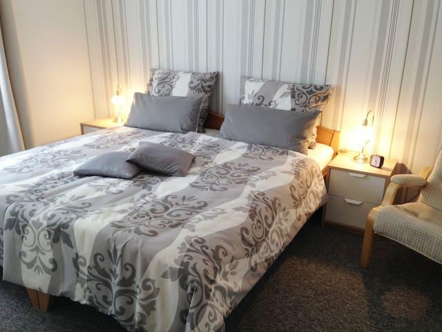 Schlafzimmer 2 mit Kabel- TV