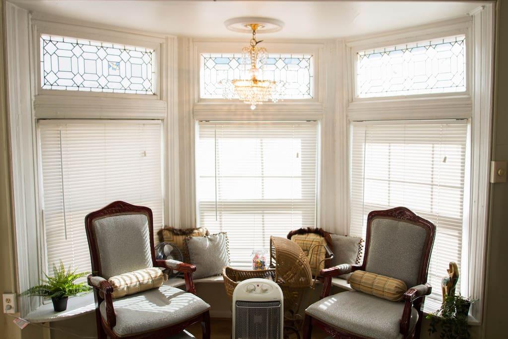 Sitting area by bay window