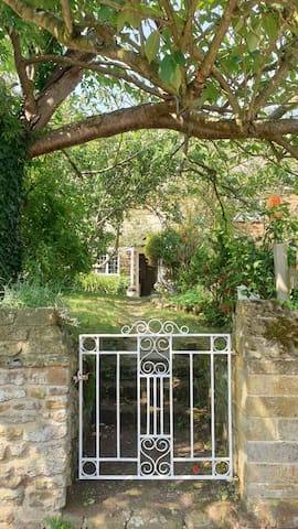 Character cottage in Eydon Banbury nr Silverstone