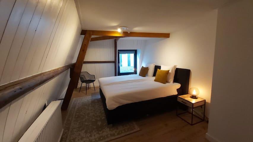 2 persons bedroom