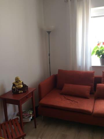 Ein Zimmer in Lahntal bei Marburg