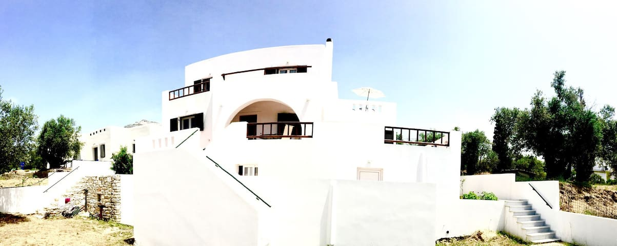 Villa in the heart of Naxos - Χαλκείο - Casa de camp