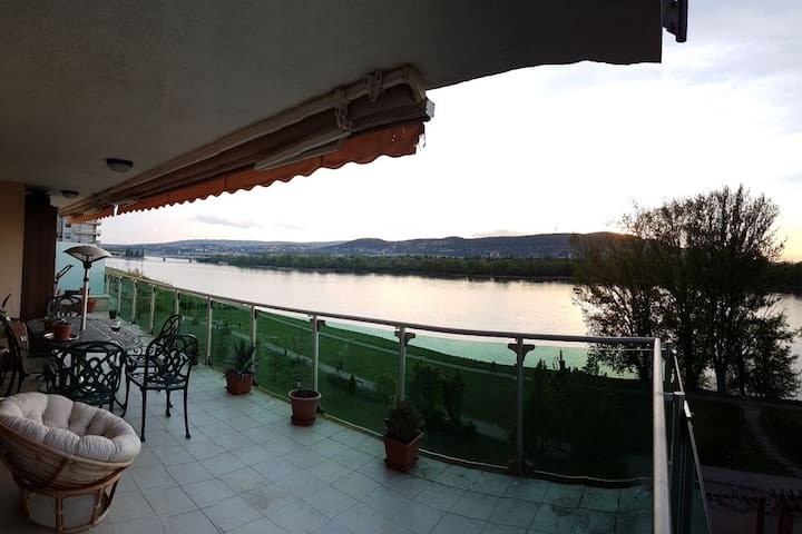 Holiday feeling next to the Danube - Budapeşte - Daire