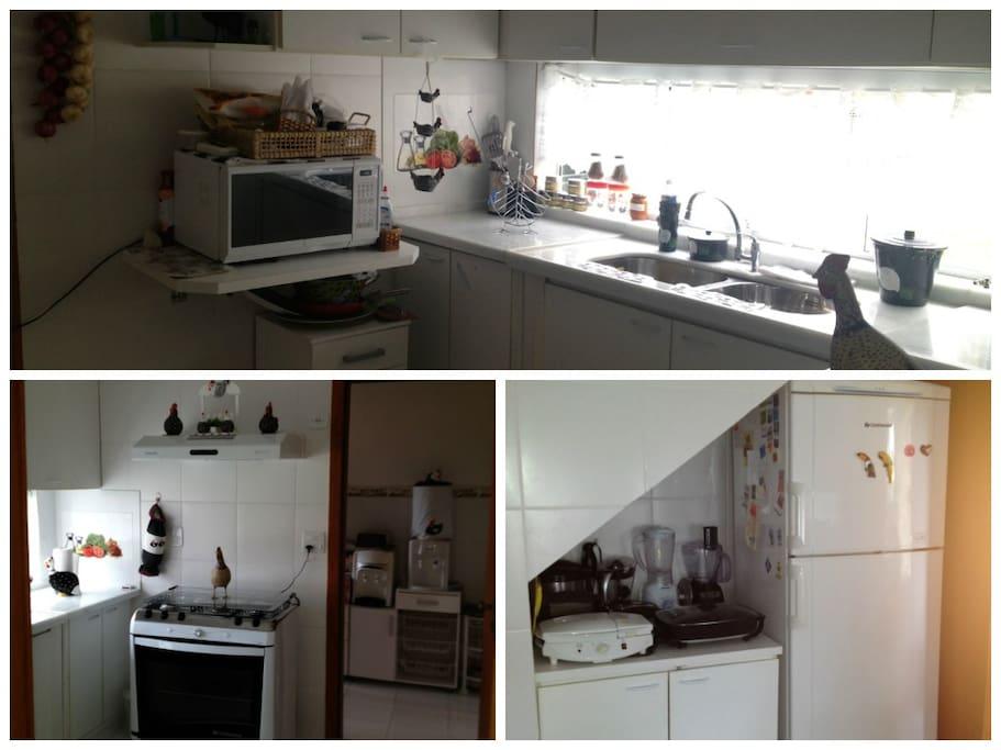 Cozinha completa e área de serviço