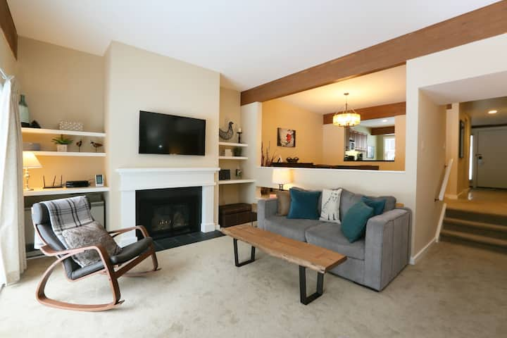 Courtside 2BR at Topnotch Spa, 2.5 Baths, sleeps 6