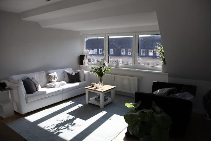 Central cosy room in newly refurbished flat