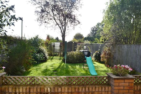 Spacious 3 bedroom house in Oxfordshire village - Oxfordshire - Haus
