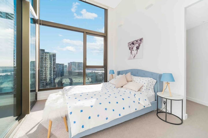Darling Harbour➕China Town  Location With LUX 2BD