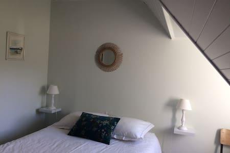 Appartement à 500 m de la plage Morgat