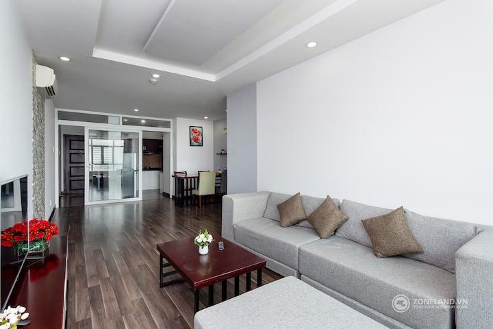 Cozy Apartment In Center City Near Con Market