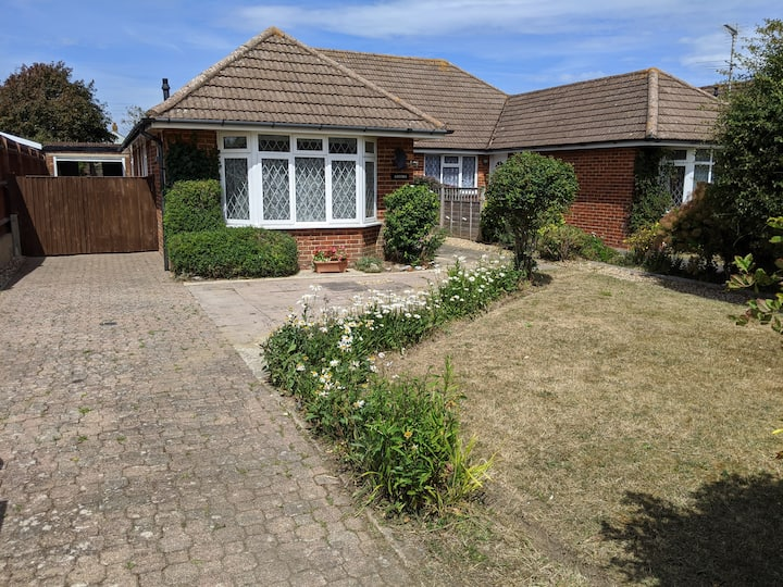 Three bedroom bungalow by the sea