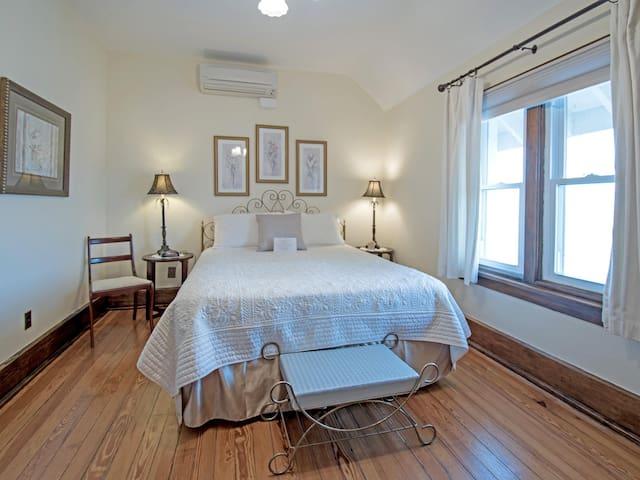 Room Pearl