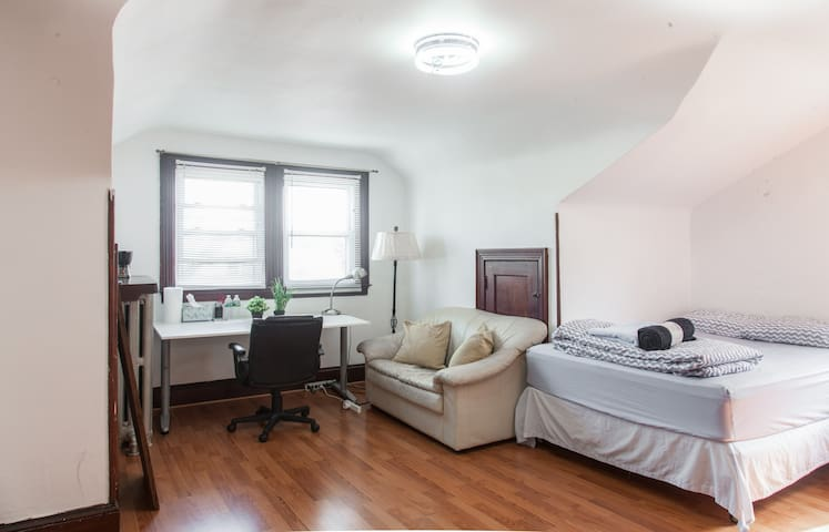 Cozy Spacious Double Bed #1 Near JFK and J Train - Queens