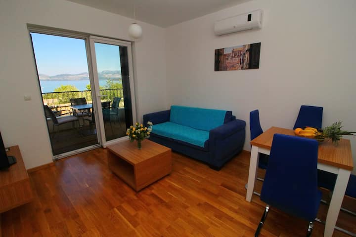 Kula - One-Bedroom Apartment with Terrace and Sea View-B1