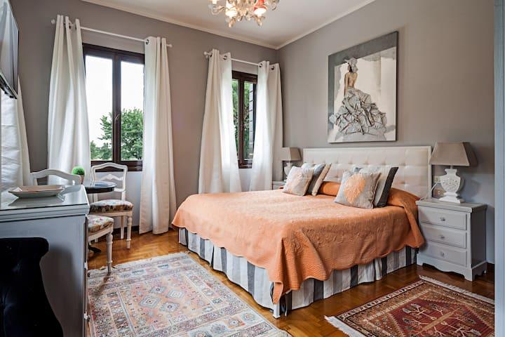 Camera matrimoniale, Villa Veneta, b&b Treviso, Villa Zane, Piscina e parcheggio