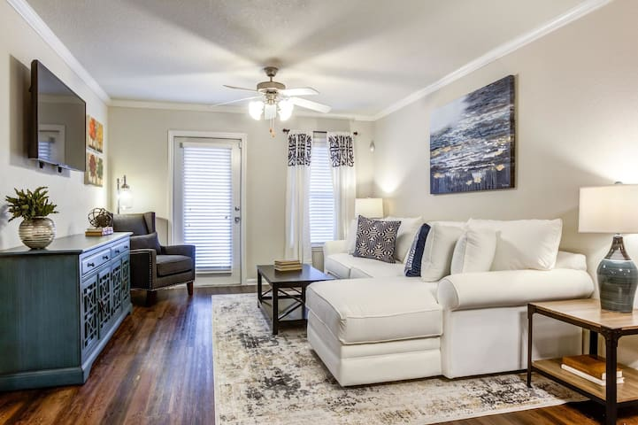 Entire apartment for you | 1BR in Greenville