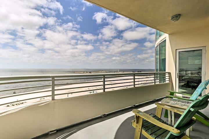 Beachfront Biloxi Condo w/ Balcony & Gulf Views!