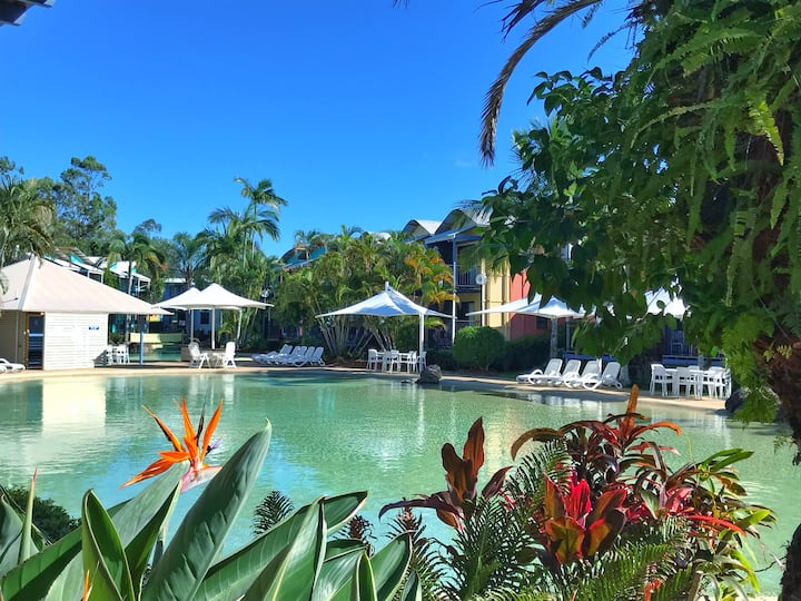 Noosa Lakes Riverside Private Studio - poolside