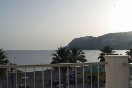 Piso con terraza a 50 metros del mar. 6pax. Cozy - Almuñécar - Leilighet