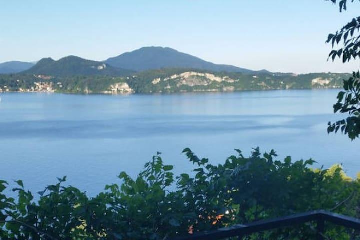 Mille sfumature di blu..Un romantico nido al Lago. - Stresa - Apartemen
