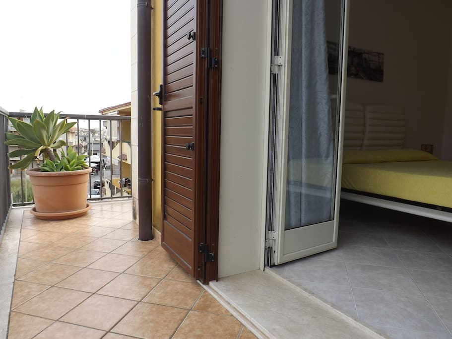balcone con vista camera matrimoniale