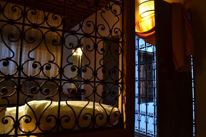 Dar Amrani 20 - SINGLE ROOM in Fes Medina