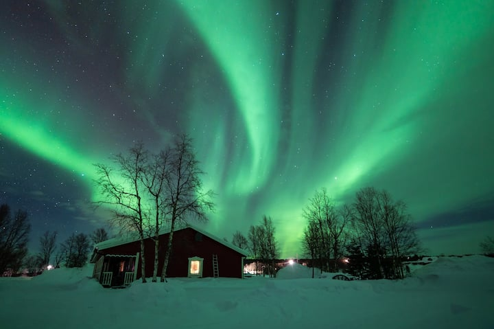 Northern lights  experienced ,  Aurora Lapland