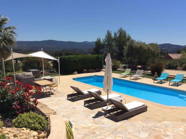 Appartement 60m2 en rez de villa piscine chauffée