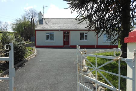 Single Bed/s in Mixed 6 Bed Dorm - Oldcastle