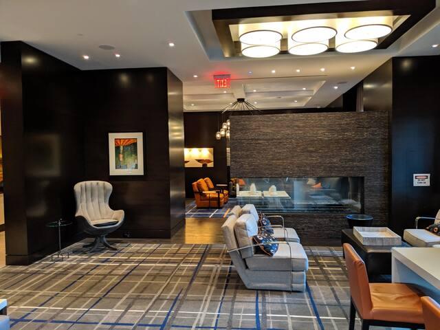 Spacious Luxury 2BR/2BT apartment in D.C.