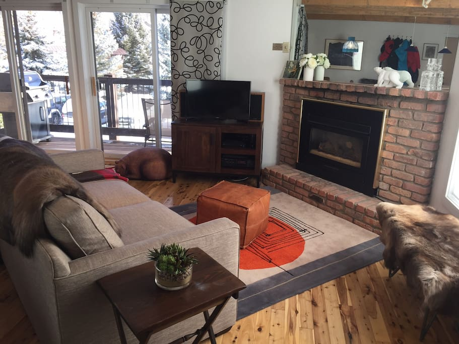 Ski In Out Sunny Spacious Snowmass Village Condo Condominiums For Rent In Snowmass Village