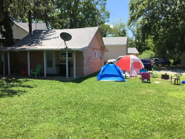 Indiana Beach 1 BR LAKE PROPERTY 6 person, 1 bath