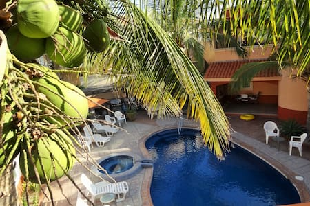 """Casita Mermaid"" - Quiet, Pools, Close to Downtown"