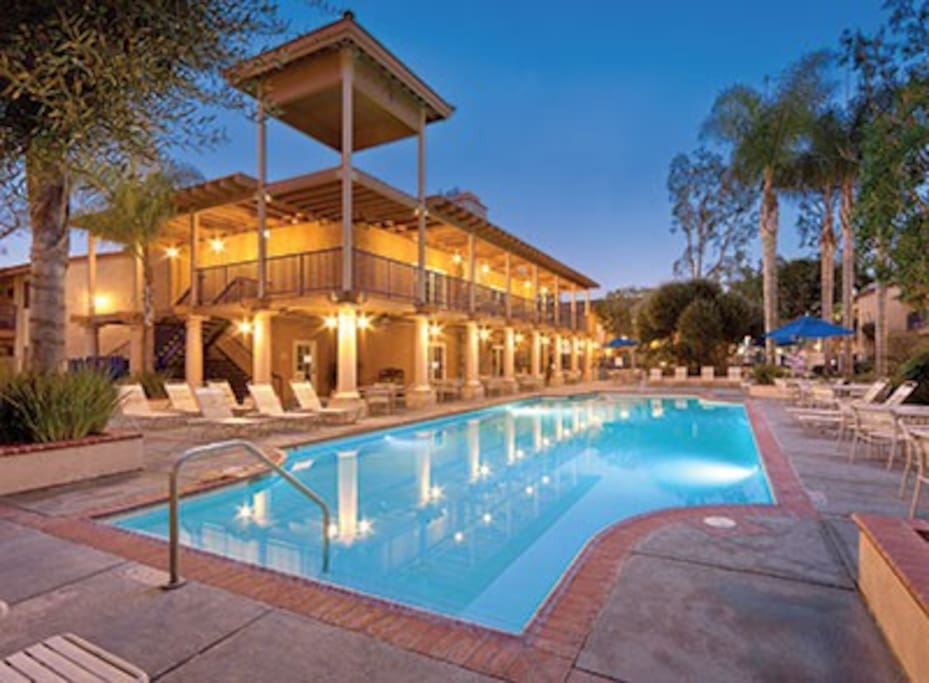Close to disneyland perfect family getaway resorts for for King s fish house anaheim