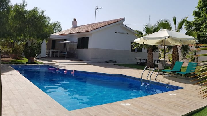 Excellent house/pool 3 min. Golf  Plantio Alicante