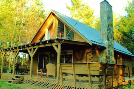 Ridge View Cabin Near Floyd, VA, Secluded Hideaway
