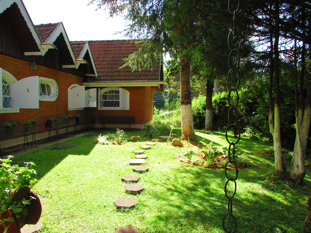 Bed & Breakfast - Campos do Jordão - Haus