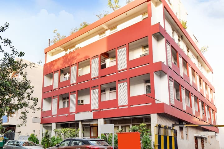 Plush abode for three, 1 km from Chandni Chowk