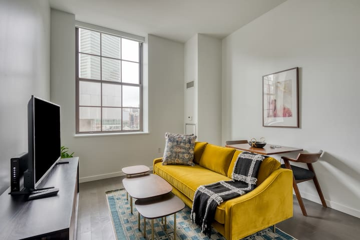 Lovely Studio in Boston Near Metro + Pet-Friendly