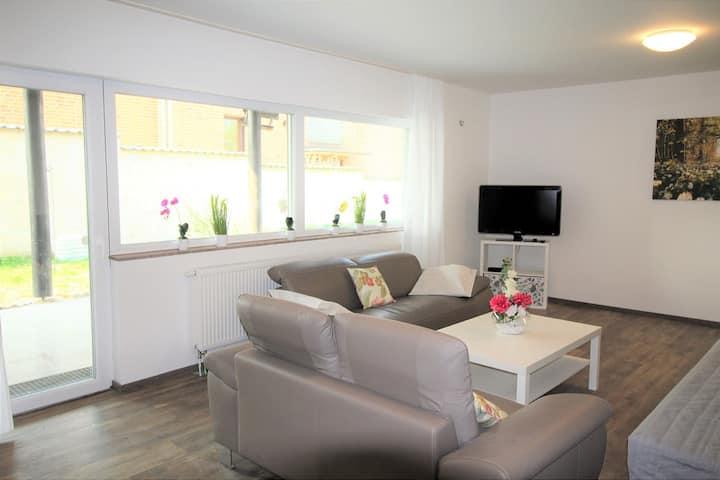 SA04 Apartment in Sankt Augustin 4 mit neu renoviertes Badezimmer und LED- Fernseher