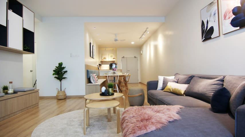 ELING'S HOMESTAY Bright, Warm & Nordic Style