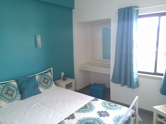 Studio in Oura with great location, wifi and AC