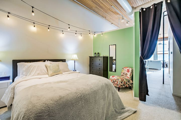 Colorful condo with Old Market views, Brand new!
