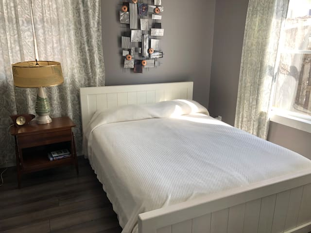Queen bed.  Canadian made Douglas foam mattress and Canadian made pine bed.