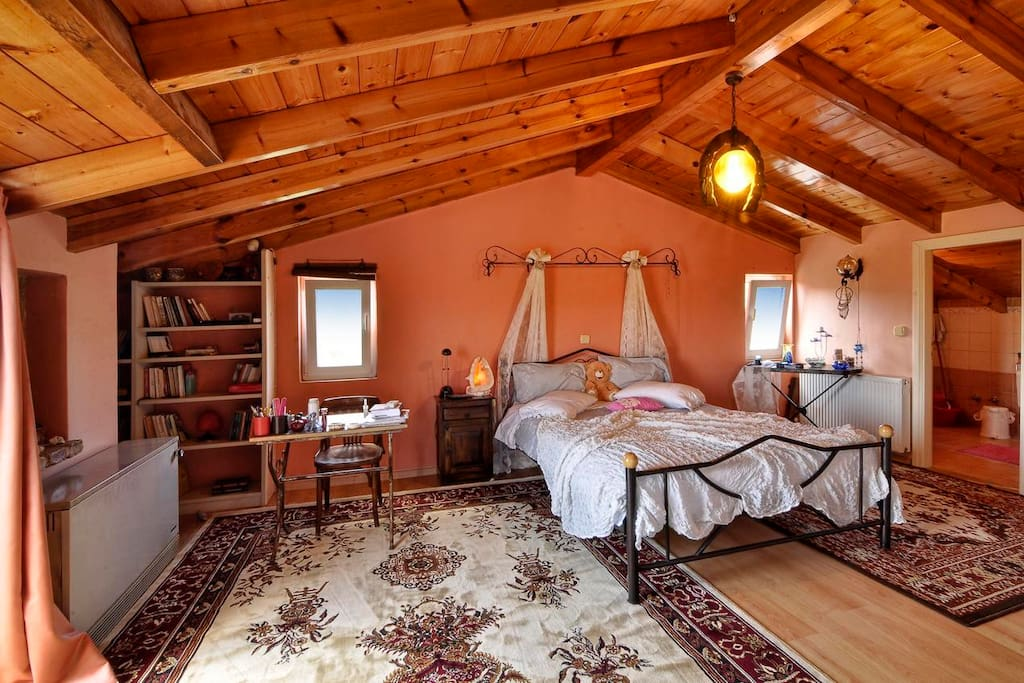 The attic - private room (with private bathroom)