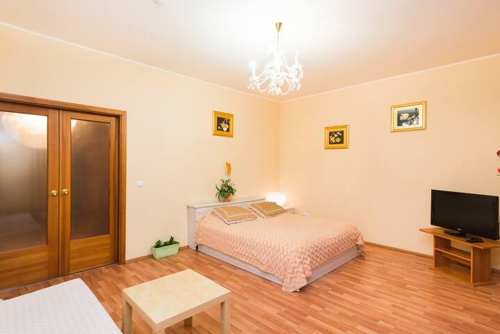 Уютная 1-ая квартира  в центре на Малышева 4Б.