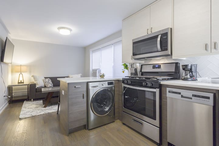 Uptown 1 BDR - Remodeled, Safe & Close to Train!